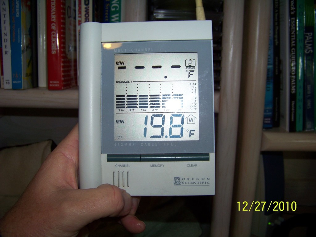 Thermometer reading (19.8) 12-27-2010.jpg
