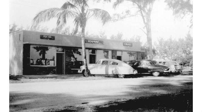 First-stores-on-A1A-now-Orlando-Avenue-1950s1.jpg